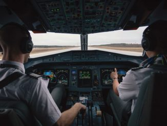 airline pilots cataract